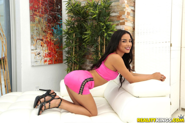 Realitykings 8th street latinas briana belle jmac hard