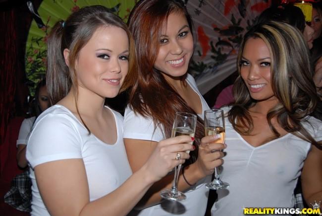 meet-foreign-prostitutes-beach-club-kuala-lumpur-sex
