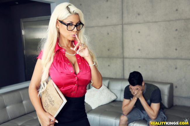Mansion Hotel Medellin Plaza review prostitutes girls