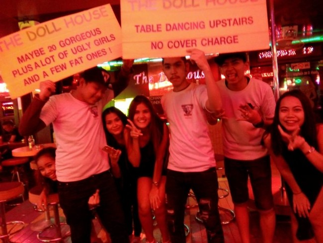 Review Dollhouse Go Go bar Soi Cowboy Bangkok