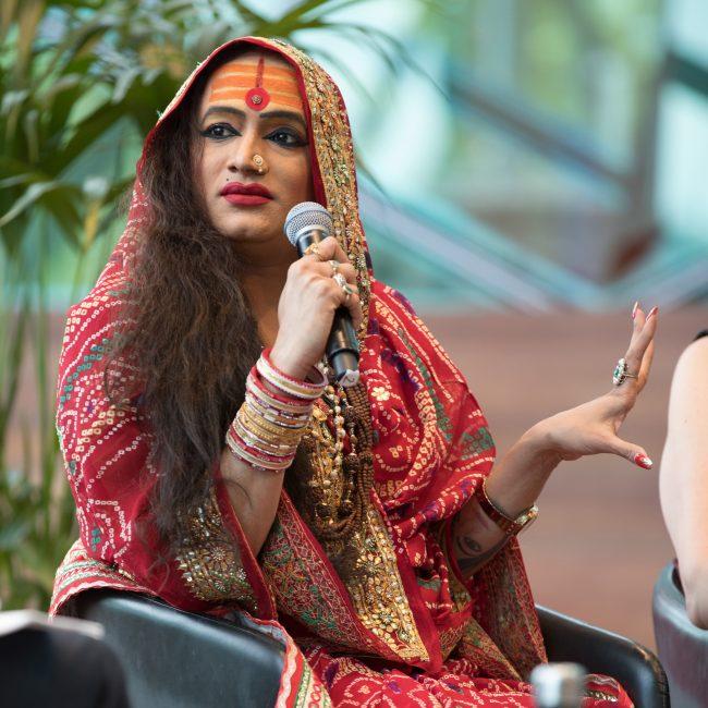 Meet sexy Indian ladyboys online dating transsexuals